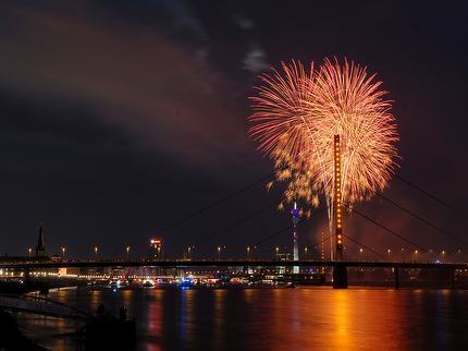 Schifffahrt zum Japan-Tag-Feuerwerk auf der MS Riverstar